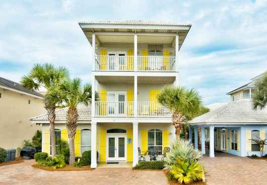 4 BR/ 3.5 BA Game Rm, Sleeps 16, 3000 sq/ft - on 1st beach street! 3 King beds!!